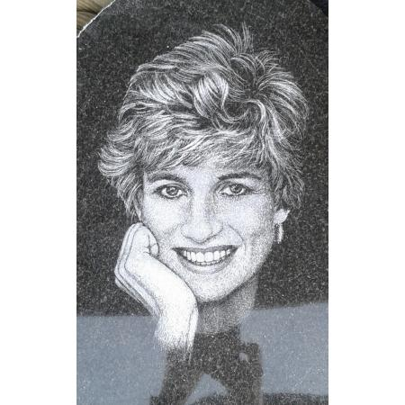 Gravírovaný portrét výška cca 15 cm